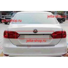Накладка на крышку багажника (над гос. номером)  VW Jetta VI
